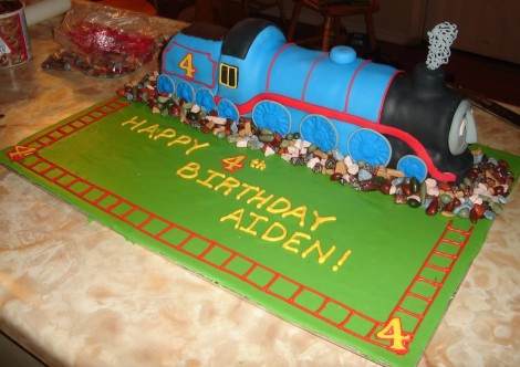 Gordon cake from thomas the tank engine