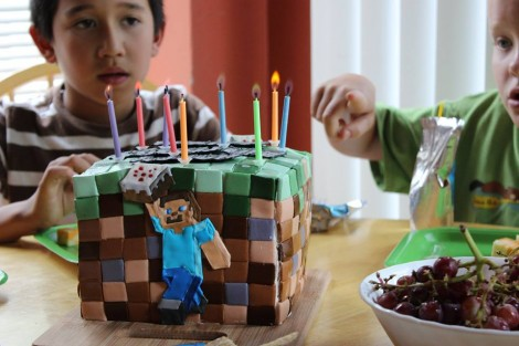 Minecraft cake with candles